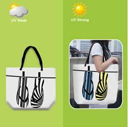 UV fény hatására színváltó táska